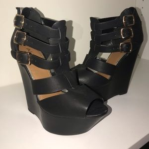 Aldo wedge black heels size 8.5